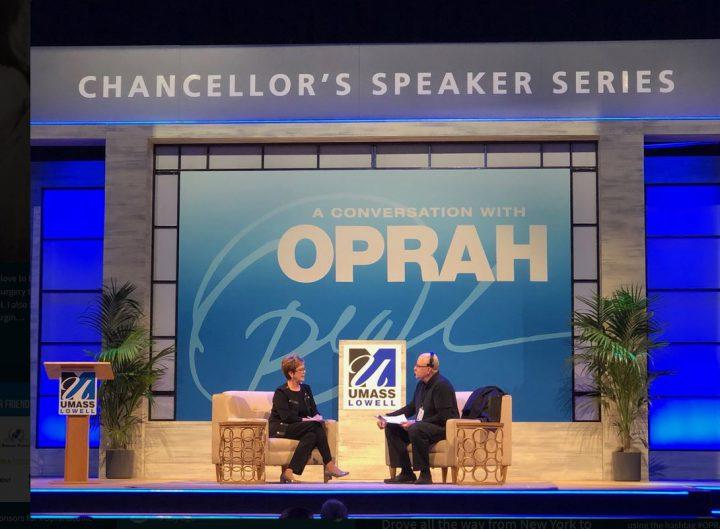 Oprah-umass-stage-set-event-design